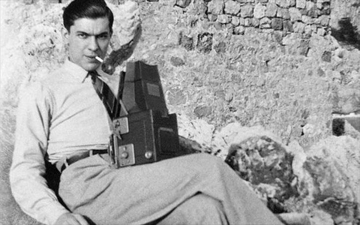 Ο Ανδρέας Εμπειρίκος των σύγχρονων ΜΜΕ – Η ιδιότητα του φωτογράφου